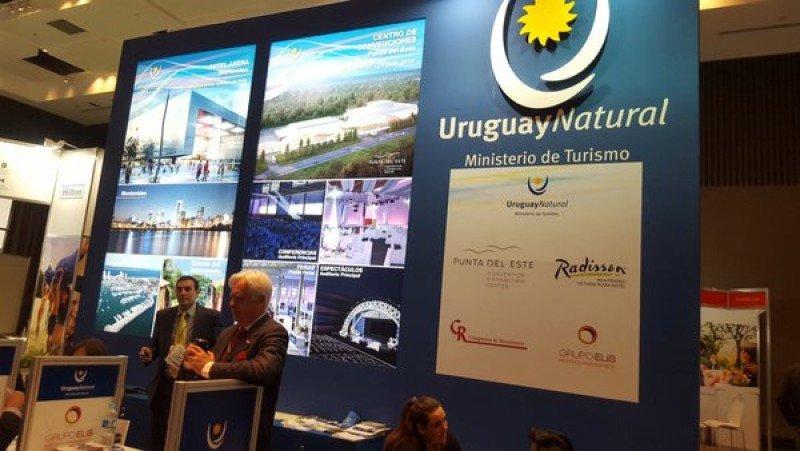 Stand de Uruguay en Fiexpo 2016.