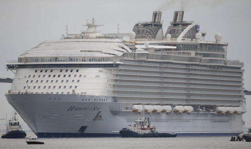 El Harmony of the Seas llegará este domingo a Barcelona.