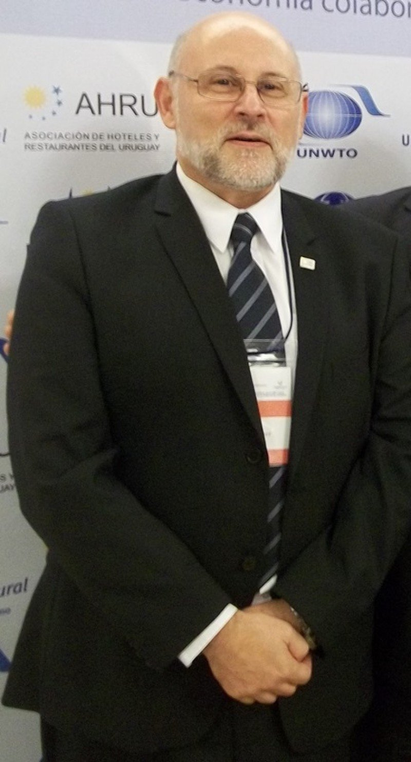 Juan Martínez continuará al frente de AHRU por al menos dos años más.