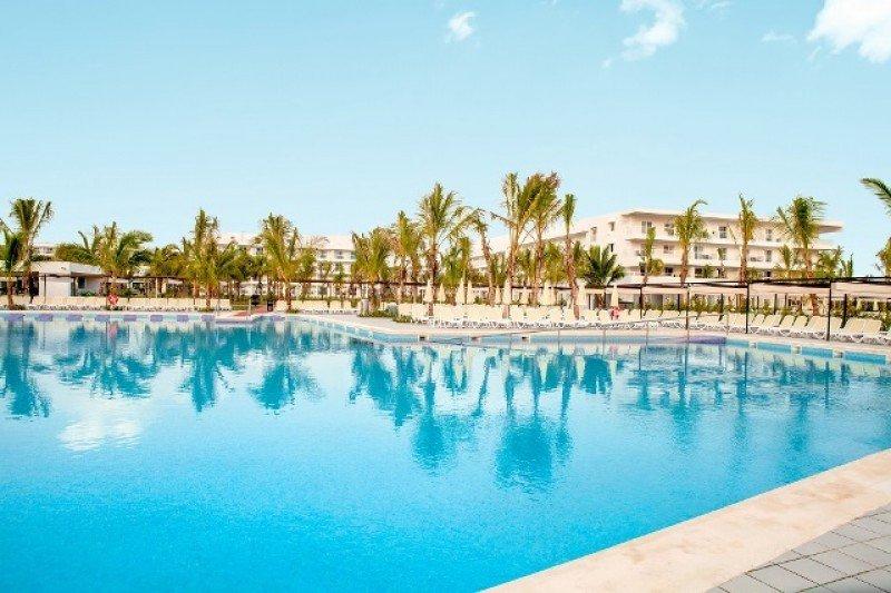 El Riu Republica está sobre la playa de Arena Gorda, en Punta Cana.