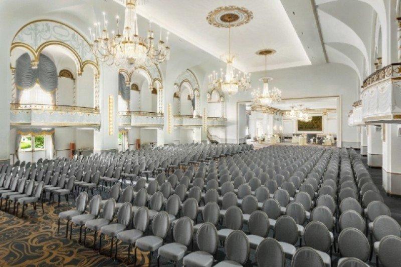 Renovado aspecto del Ballroom.