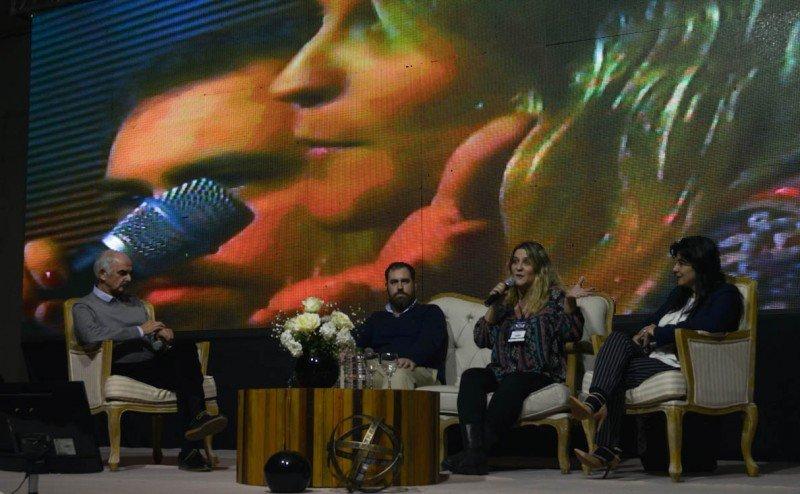 Lorena Villamayor participó de un panel en el CAF 2016.