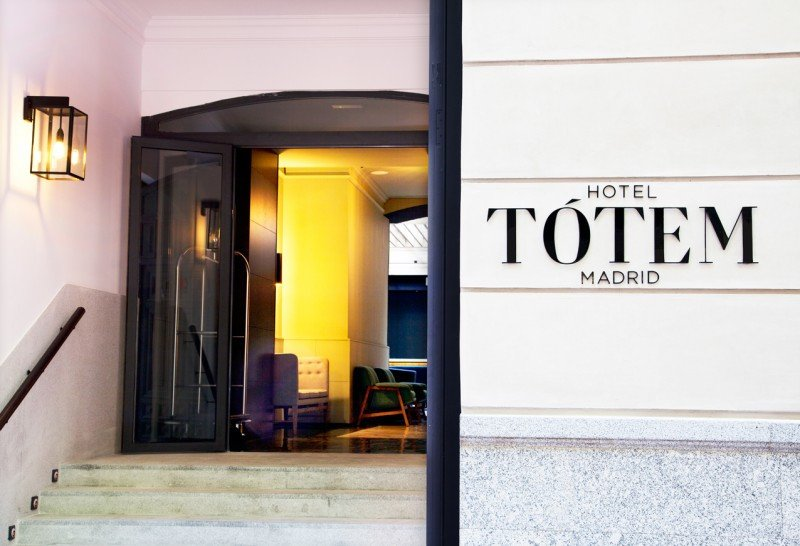 El Tótem Madrid se encuentra situado en pleno barrio de Salamanca, donde quiere consolidarse como punto de encuentro de la cultura, la gastronomía, el ocio y la moda de la ciudad.