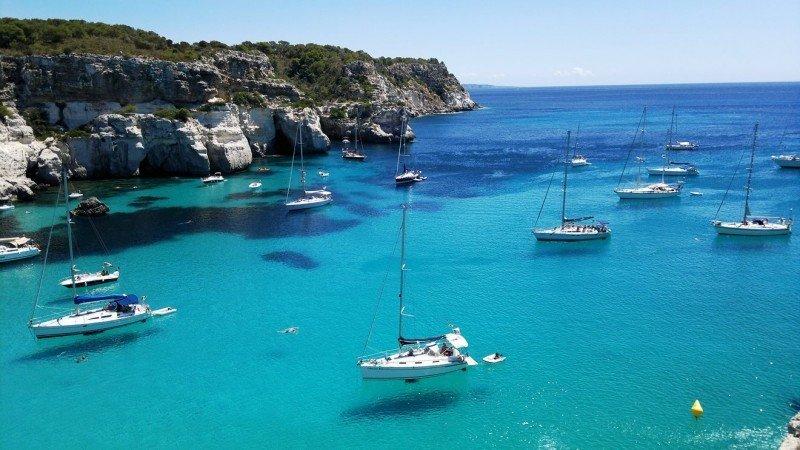 Si se debilita el mercado británico, en cualquier caso no para este verano, Menorca será la isla que más lo sienta ya que un 60% de sus turistas procede de aquel país.