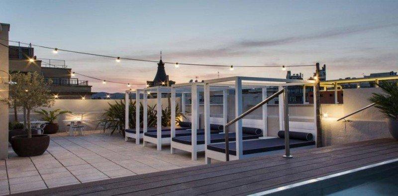 Desde su terraza en la azotea se puede disfrutar de las vistas de Barcelona.