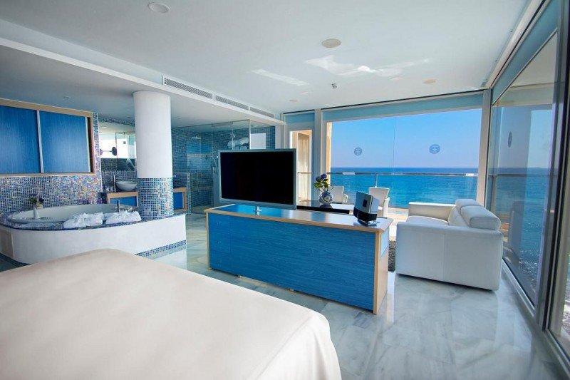 La suite del hotel Servigroup Galúa, de 194 habitaciones, en La Manga del Mar Menor.