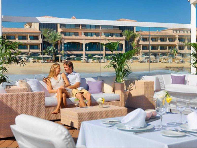El Gran Hotel Atlantis Bahía Real busca involucrar a personal, proveedores, subcontratistas y clientes para la mejora continua en todos los ámbitos de la sostenibilidad.