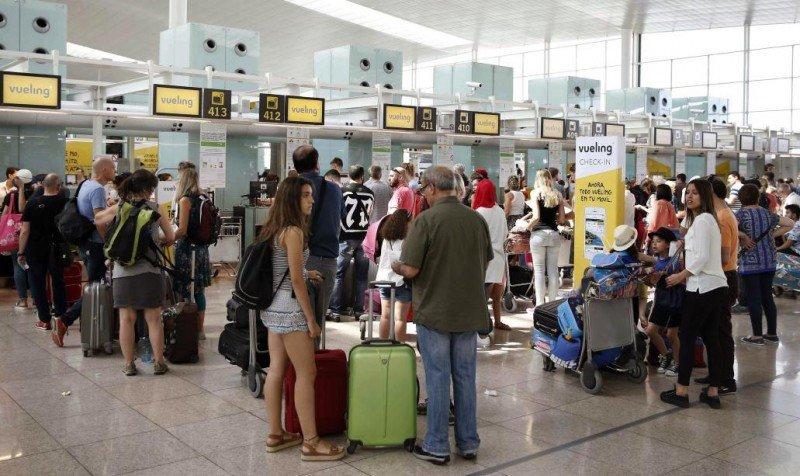Iberia refuerza el personal de tierra al servicio de Vueling en El Prat (Foto: diario La Razón).