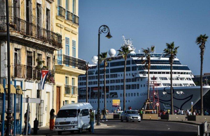 El Adonia, de Carnival, el primer buque de EEUU en La Habana en 40 años.