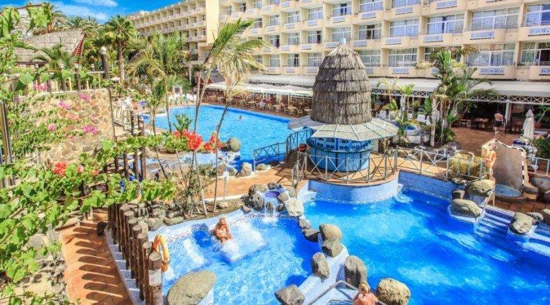 El hotel IFA Catarina cuenta con 402 habitaciones, puntos de restauración, salones para eventos, piscina y solárium.