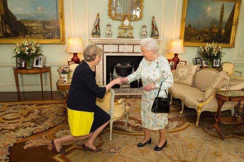 Theresa May es la nueva primera ministra del Reino Unido, quien deberá conducir el Brexit.