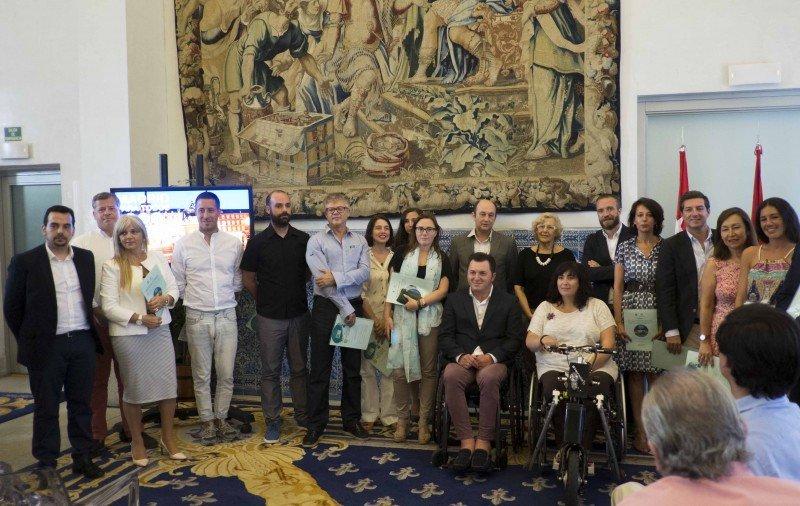 En la presentación de la séptima edición de la guía se han otorgado también los distintivos de accesibilidad que otorga PREDIF a alojamientos y recursos turísticos.