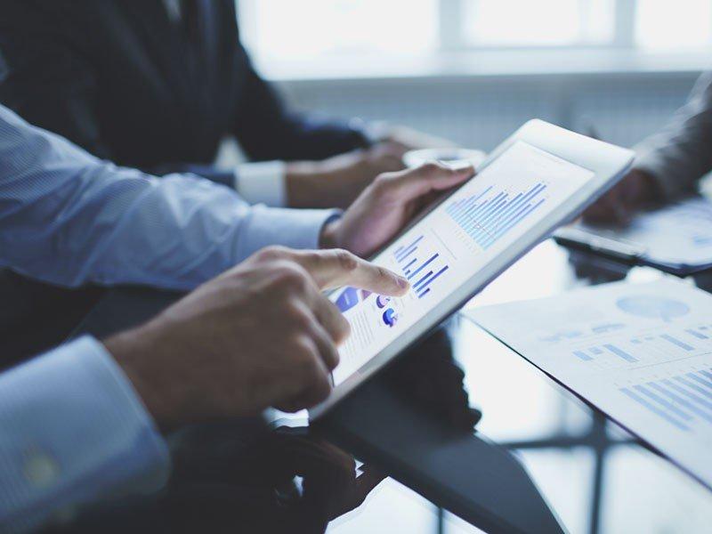 La segmentación se apoya en información cuantitativa y cualitativa previo a la toma de decisiones.