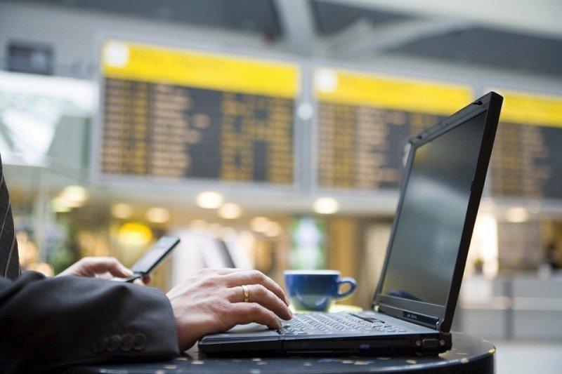 El tráfico aéreo disparará un 40% el consumo de wifi en los aeropuertos