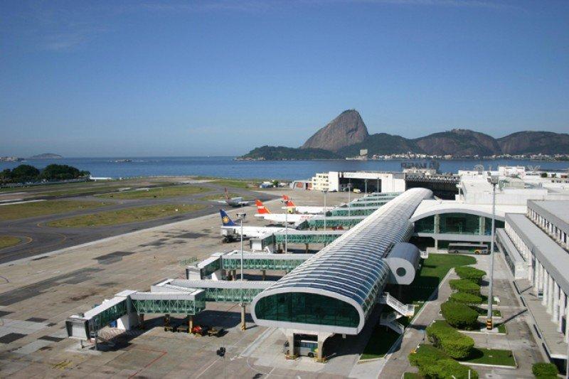 Presidente Temer estudia privatizar segundos aeropuertos de Río y Sao Paulo