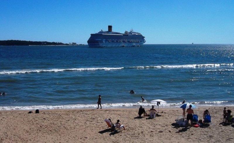 Punta del Este, balneario elegido por brasileños para vacaciones en familia.