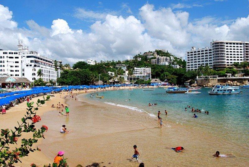 México anuncia inversiones para 'devolver el esplendor' a Acapulco