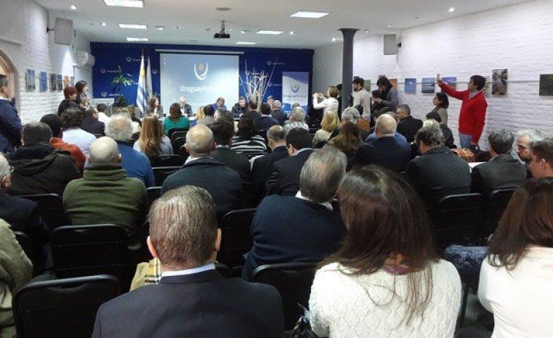 Gobierno de Uruguay reclama compromiso a destinos de cruceros