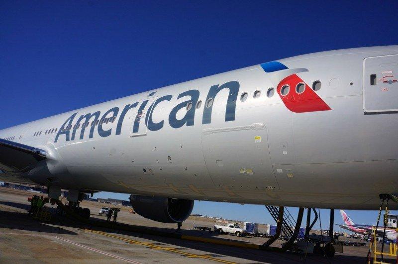 Bajan 37% las ganancias semestrales del grupo American Airlines