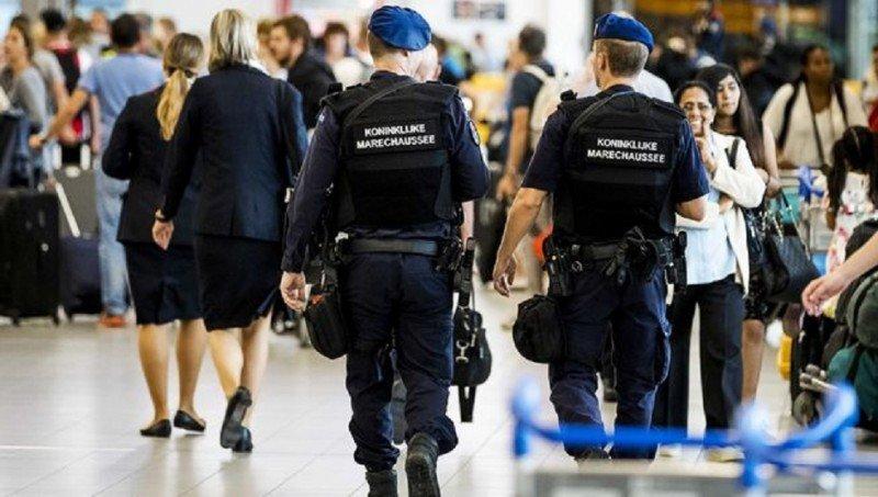 El Aeropuerto de Ámsterdam Schiphol sigue en alerta por amenaza