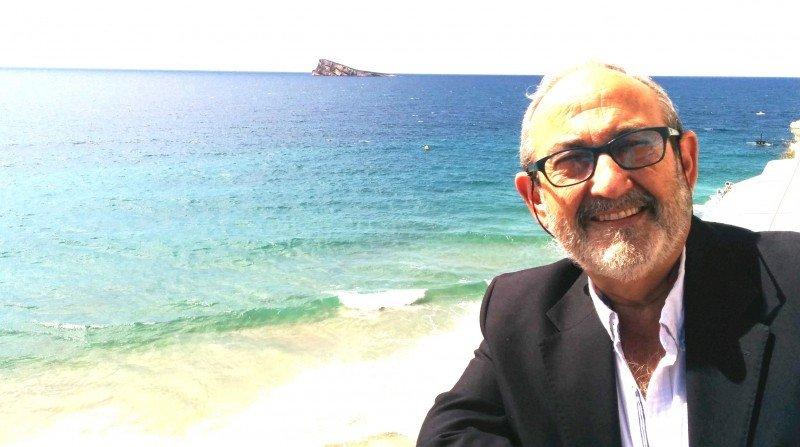 Tomás Mazón, fotografiado en Benidorm, dirige la Cátedra de Estudios Turísticos Pedro Zaragoza de la Universidad de Alicante.