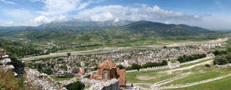 Panorámica de Berat. Imagen: Dirk.heldmaier / Wikimedia