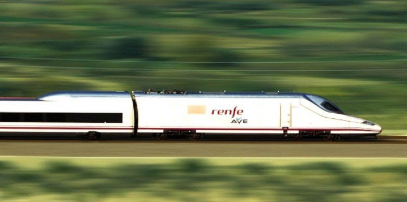 Los trenes AVE-Larga Distancia alcanzan un récord de pasajeros en julio