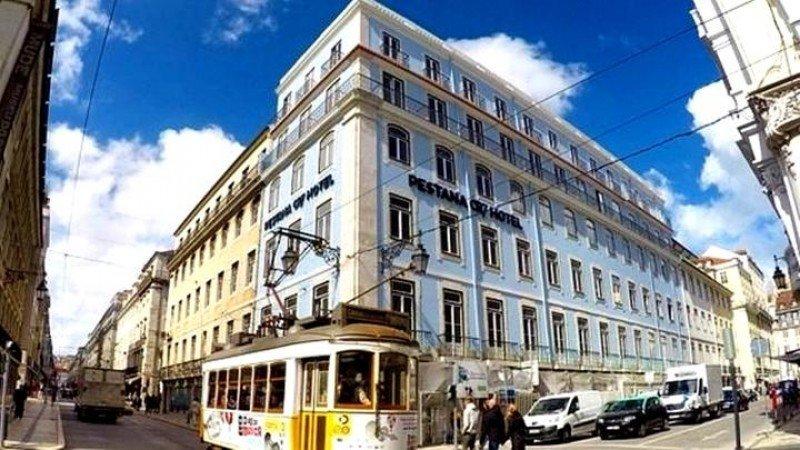 El nuevo hotel de Cristiano, de 4 estrellas, está ubicado en el barrio lisboeta de Baixa Pombalina y cuenta con 83 habitaciones, una de ellas una suite.
