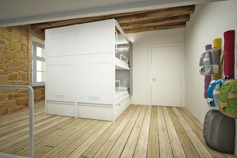 Las habitaciones compartidas, todas ellas con literas, pueden acoger hasta a 13 personas.