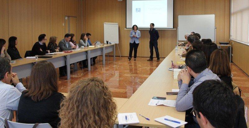 Reunión en el Invattur con técnicos de turismo de diferentes municipios de la Comunidad Valenciana.