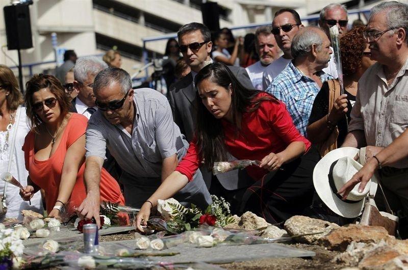 Accidente de Spanair: los familiares recuerdan a las víctimas en el octavo