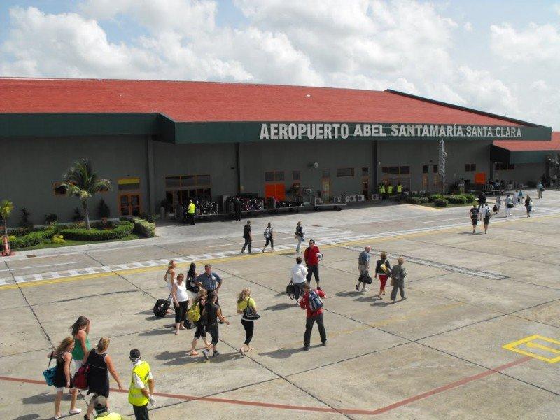 El aeropuerto internacional Abel Santamaría, en el centro del país, acogerá desde finales de este mes aviones de la línea estadounidense Jetblue.