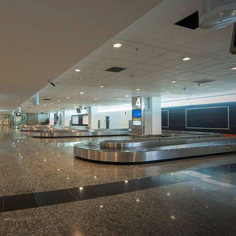 El aeropuerto fue dotado de 4 nuevas cintas de equipaje.