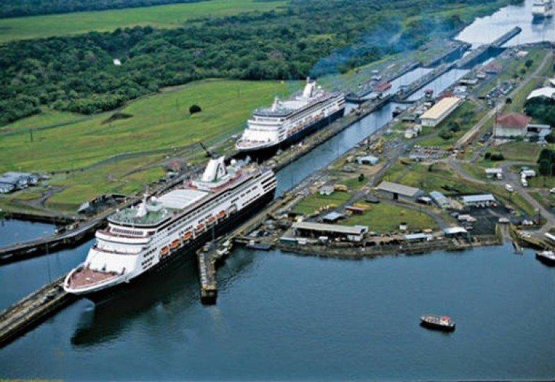 Cruceros en el Canal de Panamá.