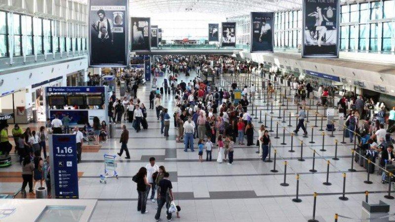 Saldo negativo de casi un millón en el turismo de Argentina hasta junio