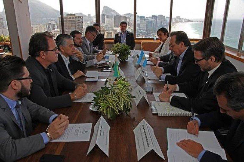 Argentina y Brasil sellan alianza para atraer turistas de China