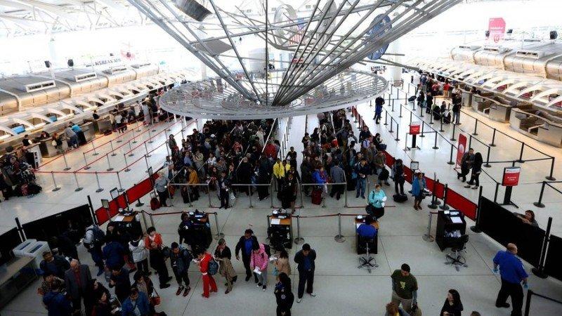 Récord de pasajeros en aeropuertos de Nueva York
