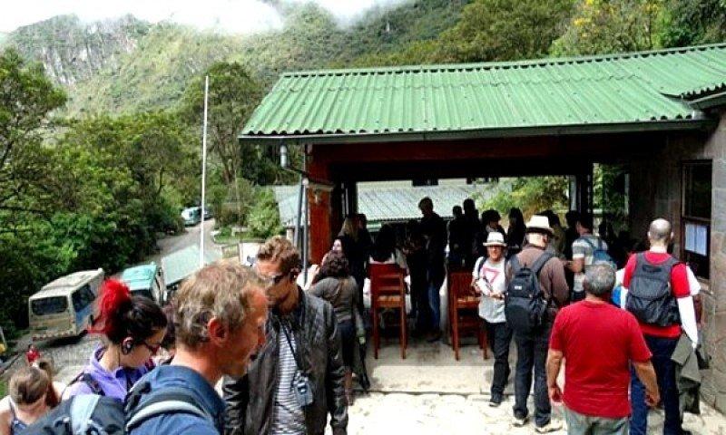 El congestionamiento de turistas es uno de los principales problemas de Machu Picchu.