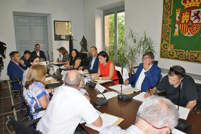 La FEMP creará un grupo de trabajo para estudiar el alquiler vacacional