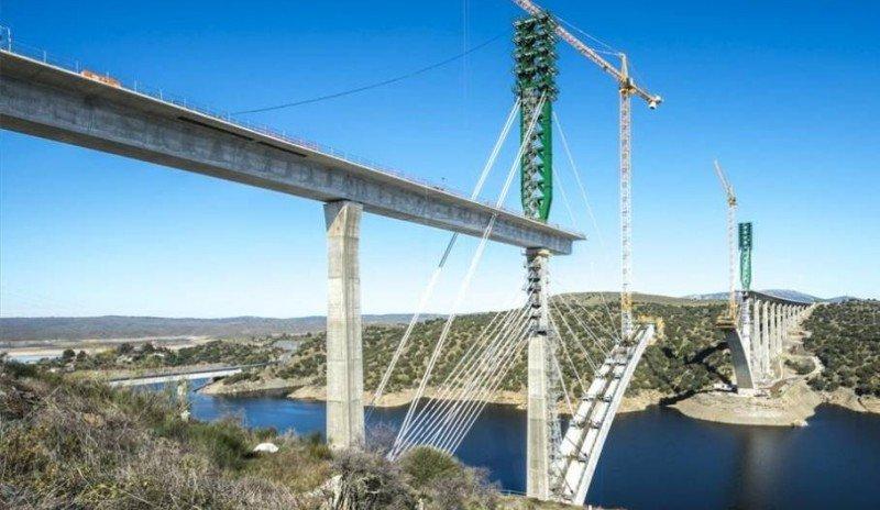 Viaducto del Río Tajo (foto archivo).