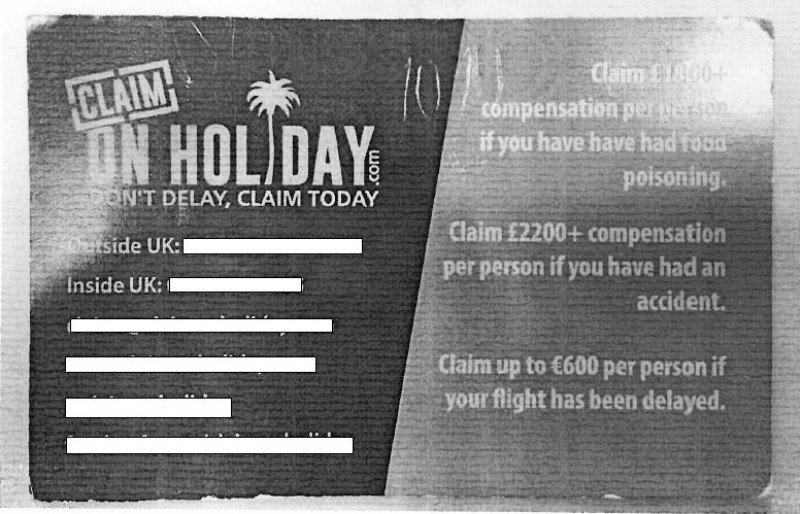 Anverso de la tarjeta que se les entrega a los clientes británicos en algunos todo incluido de Mallorca, donde se especifican las cuantías de las indemnizacions a las que tienen 'derecho'.