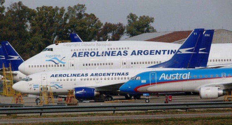 Cancelan decenas de vuelos en Argentina por huelga de pilotos