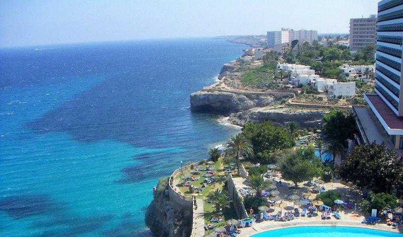 Los hoteles de Baleares recaudaron el 85% de los 32 M € de la ecotasa