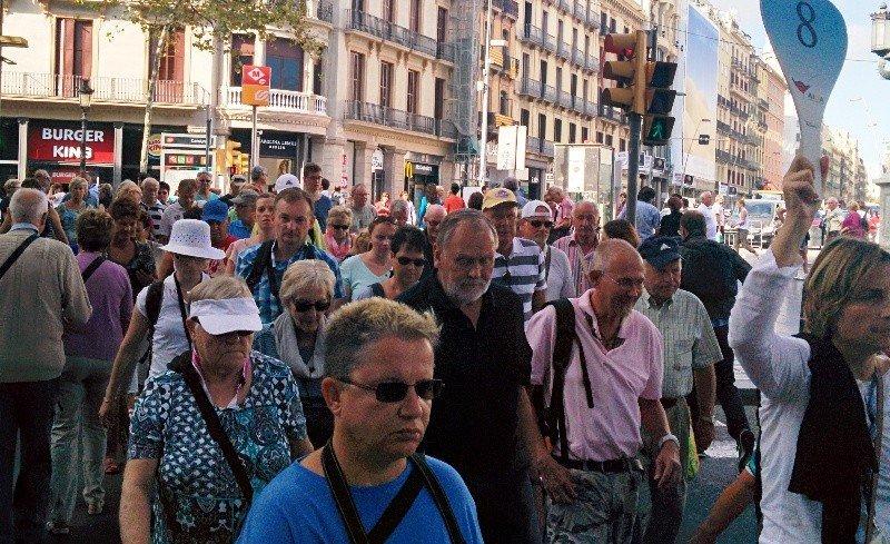Grupos de turistas en Barcelona.