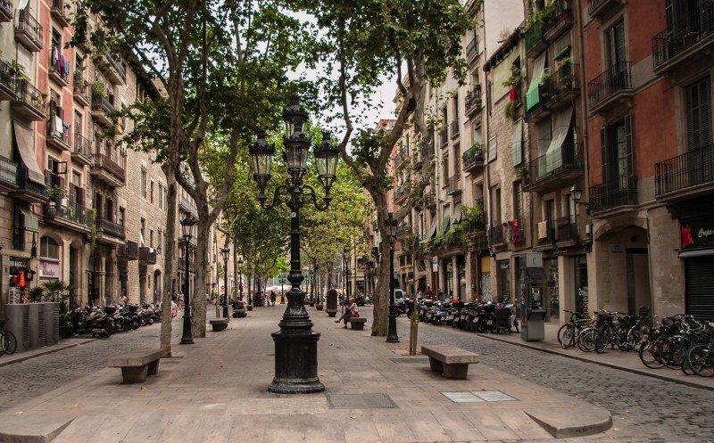 Competencia catalana ve restricciones innecesarias en decreto de viviendas