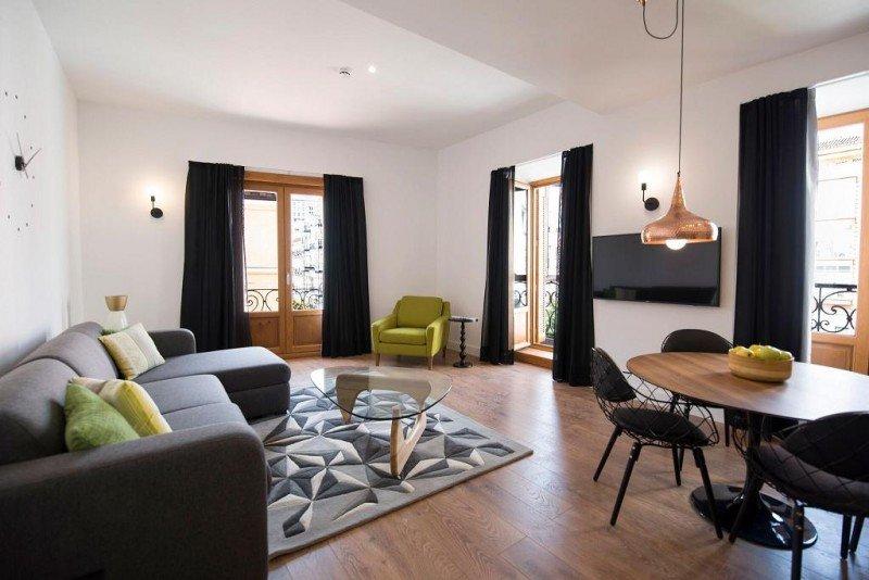 El inmueble dispone de 20 apartamentos con un cuidado diseño funcional y minimalista que gestiona directamente Sidorme.