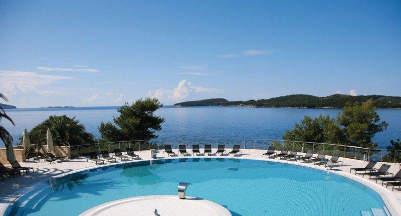 El Radisson Blu Resort and Spa Sun Gardens disfruta de una ubicación prime en primera línea de playa en Dubrovnik.
