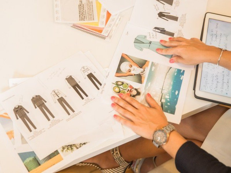 Afamado diseñador vestirá al personal de los hoteles Crowne Plaza