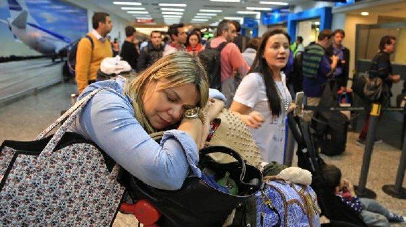 En Aeroparque hay 24 vuelos cancelados hasta el mediodida de este viernes (Foto: NA)