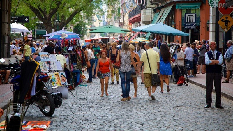 Feria de San Telmo, un paseo clásico en Buenos Aires los domingos.